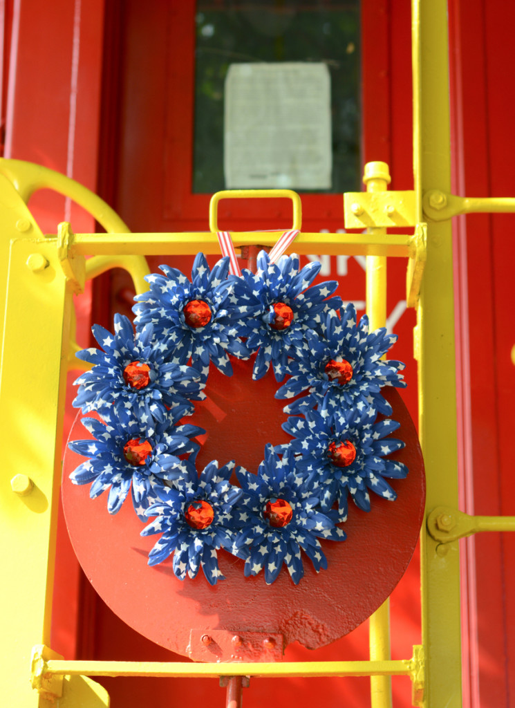 05 DSC 4053 745x1024 Easy DIY Floral Independence Day Wreath