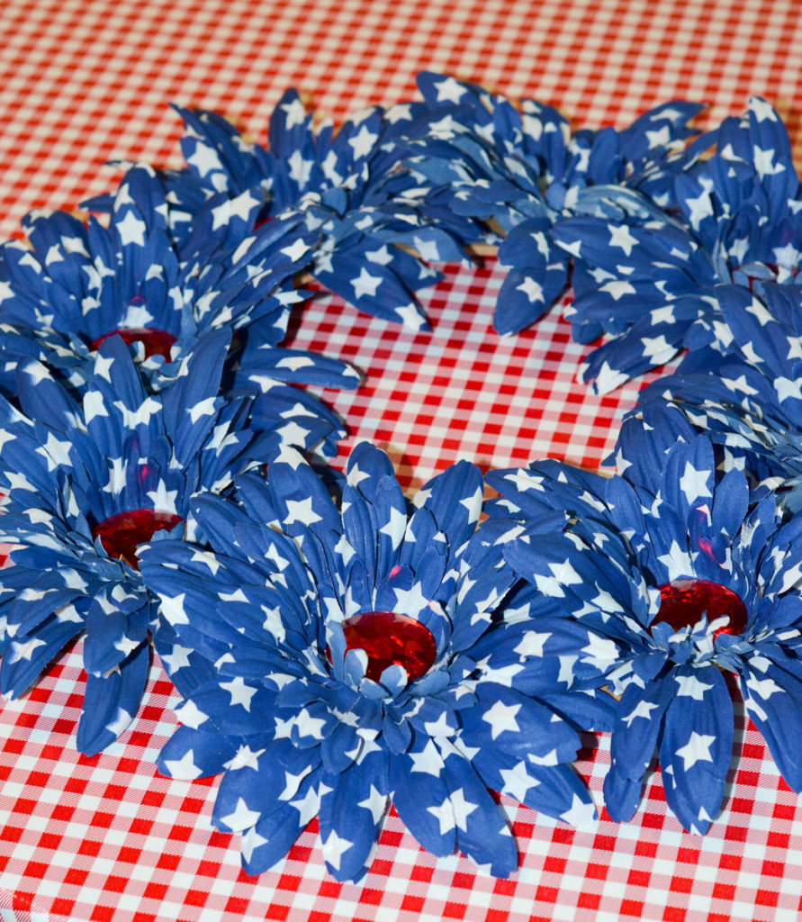 07 DSC 3944 891x1024 Easy DIY Floral Independence Day Wreath