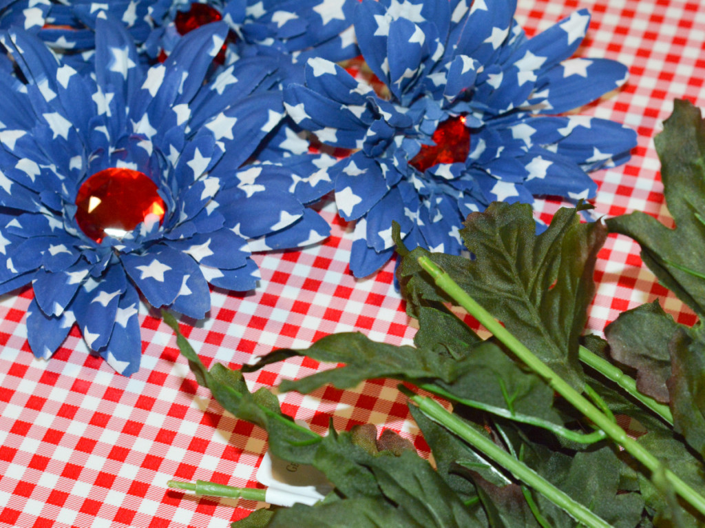 09 DSC 3939 1024x766 Easy DIY Floral Independence Day Wreath